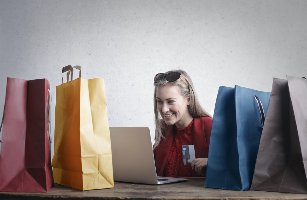 10 Effective Hacks to Drive Your E-commerce Sales in 2022